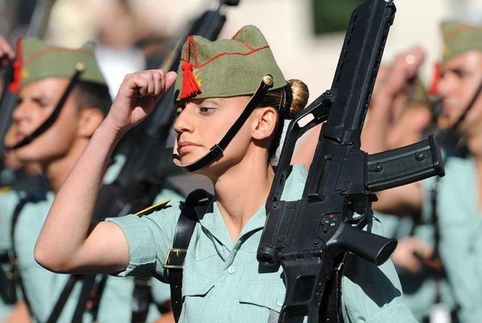 Мадрид Вооружённые силы, армии, девушки, девушки в армии, пилотка, пилотки, раритет, современные пилотки