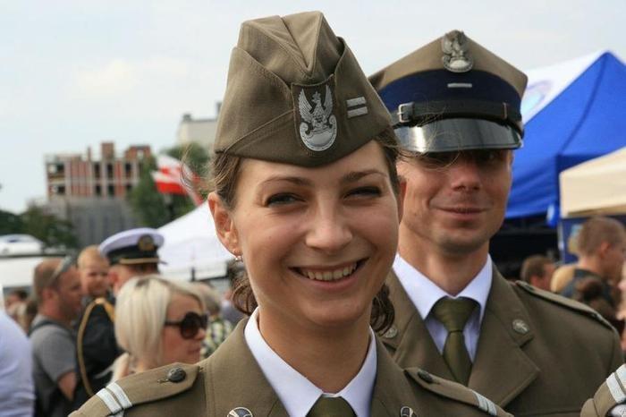 Польша Вооружённые силы, армии, девушки, девушки в армии, пилотка, пилотки, раритет, современные пилотки
