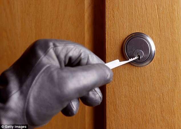 3. Установите врезной замок безопасность, вор, грабитель, дом, домушник, жилье, ограбление, советы