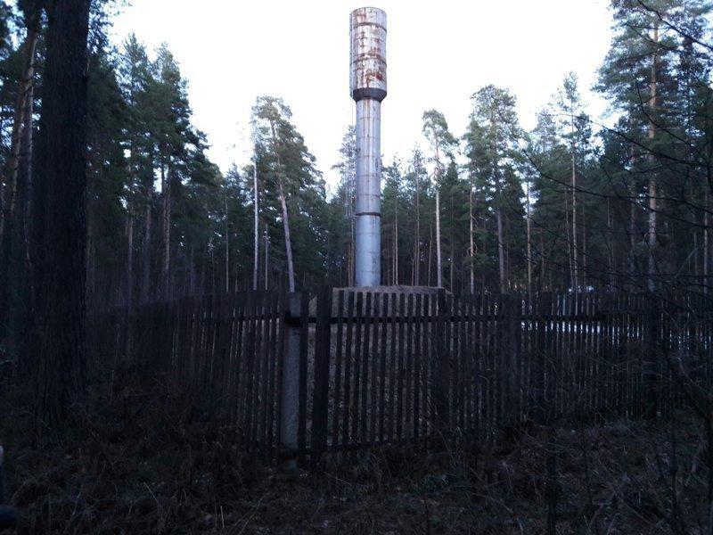 Вот какая-то башня..эээ..ну пусть будет бесполезные фото, всячина, интересное, мусор, юмор