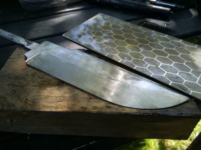 опять алмазным бруском немного точим... нож, подарок другу, своими руками, сделай сам