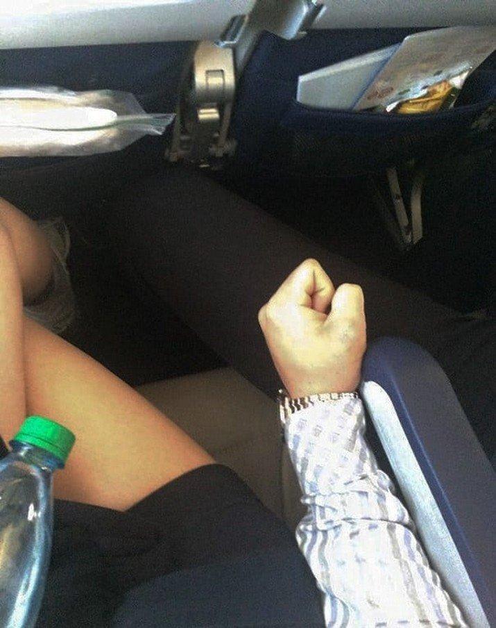 10. И ноги тоже в мире, культура, люди, пассажир, самолет, ужас