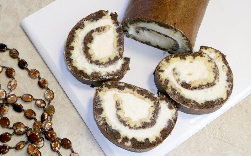 Бисквитный заварной рулет с кремом видео, десерт, рецепт, сладости