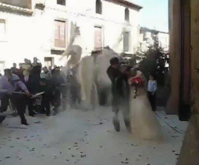 Молодожёны, невеста, прикол, свадьба, торжество, юмор