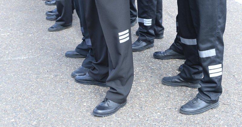 За хорошей зарплатой придется идти в тюрьму? ynews, заключенные, зарплата, медики, новости, статистика