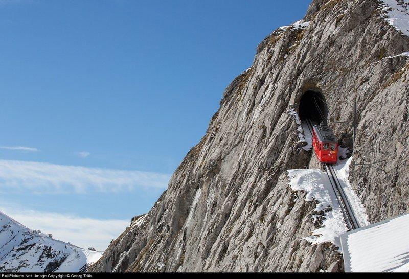 Вот здесь начинается настоящий швейцарский экстрим. горы, поезд, швейцария