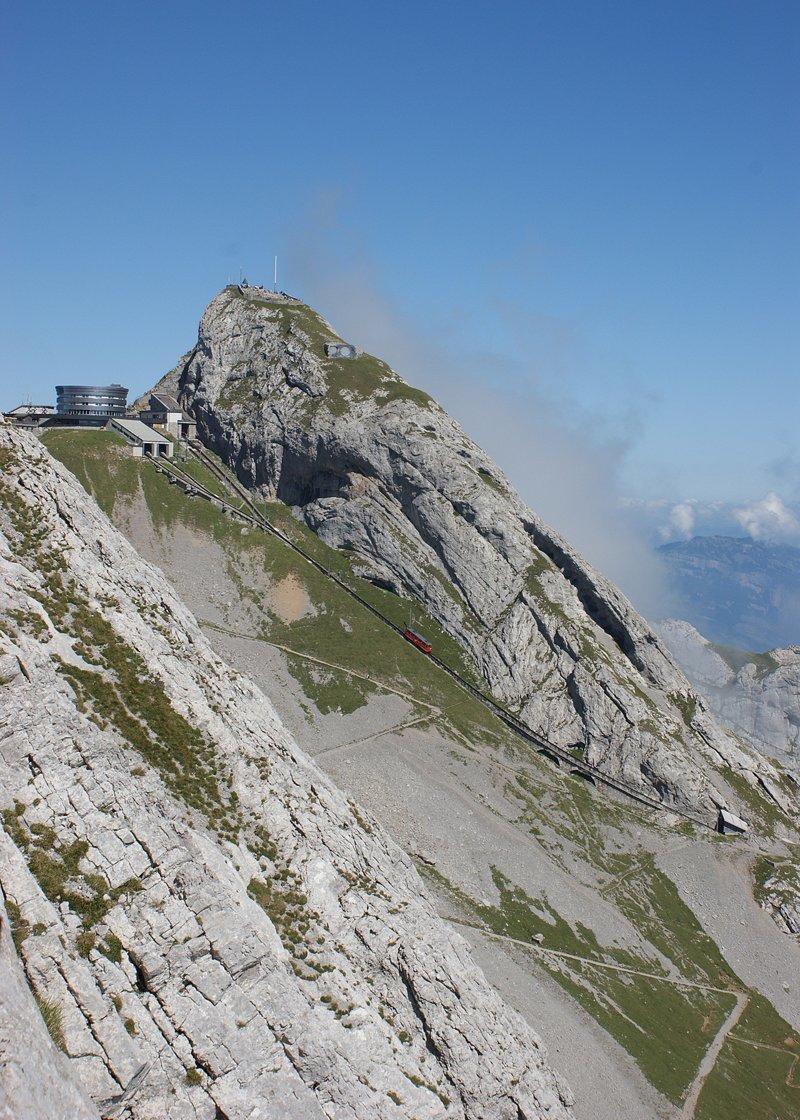 Пилатусбан — самая крутая железная дорога в мире горы, поезд, швейцария