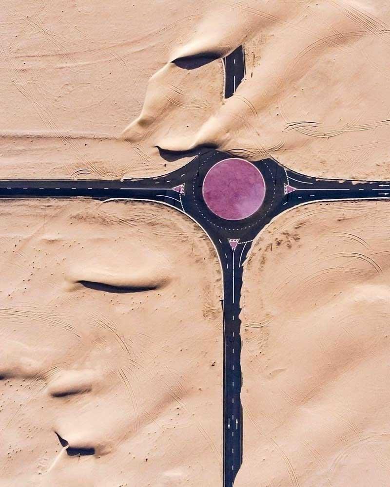 10. Фиолетовая кольцевая развязка (Дубай, ОАЭ) абу-даби, в мире, дубай, красота, природа, пустыня, фотограф