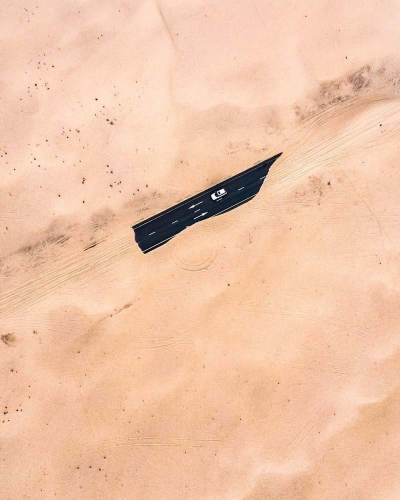 7. Засыпанная песком автомагистраль (Дубай, ОАЭ) абу-даби, в мире, дубай, красота, природа, пустыня, фотограф