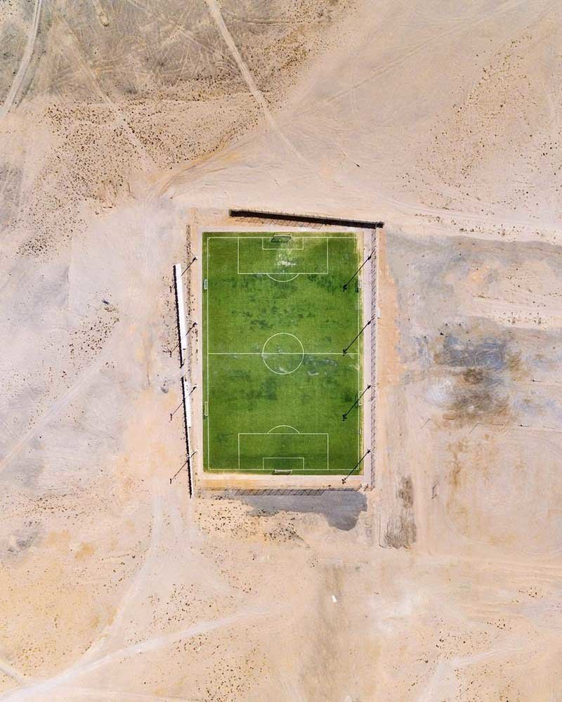 8. В самую популярную игру в мире играют везде (Дубай, ОАЭ) абу-даби, в мире, дубай, красота, природа, пустыня, фотограф