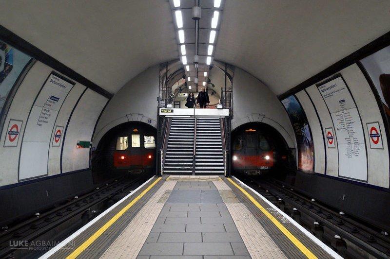 Clapham Common Station железная  дорога, лондон, метро, подземка, симметрия, станции метро, транспорт, фотопроект