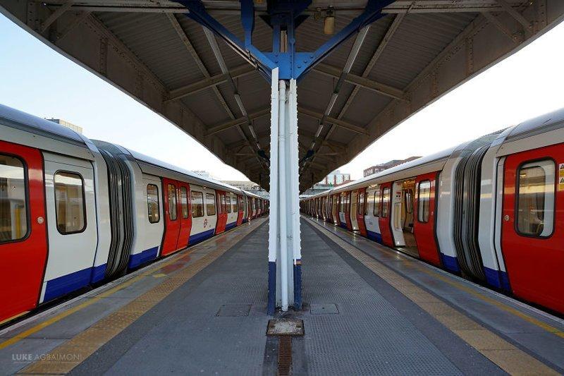 South Wimbledon железная  дорога, лондон, метро, подземка, симметрия, станции метро, транспорт, фотопроект
