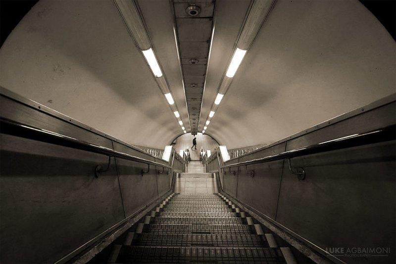 Maida Vale Station железная  дорога, лондон, метро, подземка, симметрия, станции метро, транспорт, фотопроект