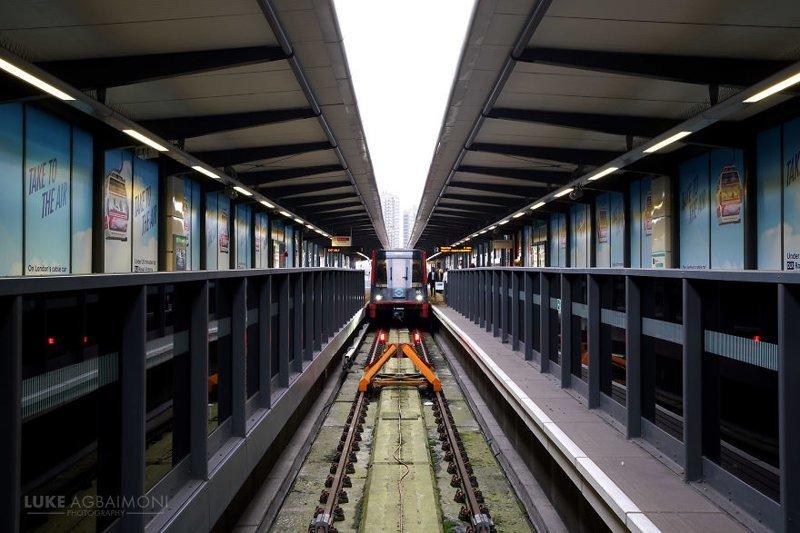 Tower Gateway DLR (легкое метро) железная  дорога, лондон, метро, подземка, симметрия, станции метро, транспорт, фотопроект
