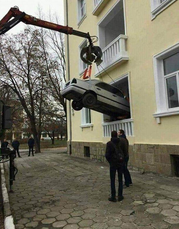 Не желаешь расставаться с машиной даже после работы авто, гении парковки, мастера парковки, парковка, припарковались, удачно стоит