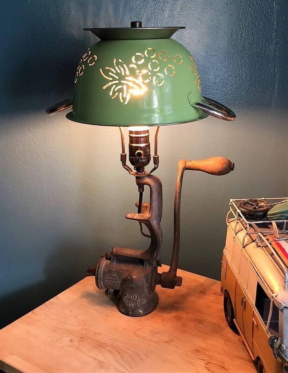 3. Много способов сделать атмосферную лампу из старой мясорубки жизнь старых вещей, интересно, мясорубка, на все руки мастер, своими руками, фото
