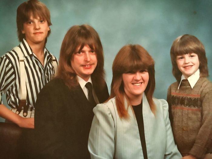 1. 1988 год. Кажется, у этой семьи был один фасон стрижки на всех. вопросы, детство, подростки, родители и дети, смех, смущение, фото