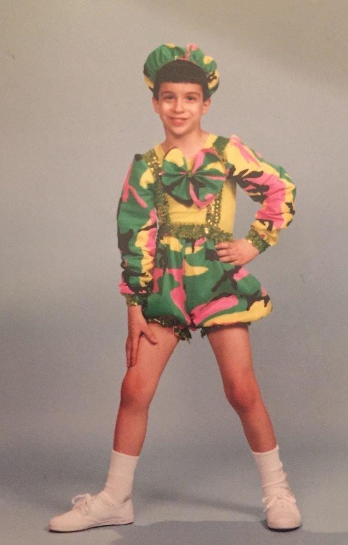 6. Ему было восемь лет, и он ходил на занятия в танцевальный клуб. вопросы, детство, подростки, родители и дети, смех, смущение, фото