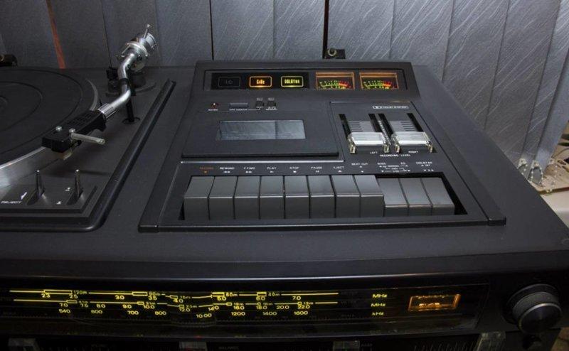 Музыкальный центр и другие Аудио аппаратура, аудиотехника, музыкальный центр