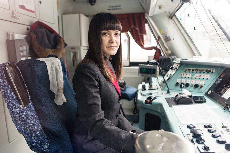Так вот почему женщинам нельзя работать машинистом метро НЕЛЬЗЯ, женщина, машинист, метро, работа