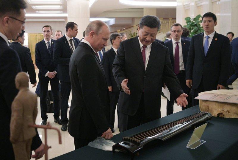Наш президент не остался в долгу, и подарил главе КНР баню  ynews, видео, визит в Китай, интересное, китай, путин, фото