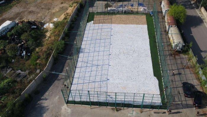 Как вы думаете, чем заполнена эта спортивная площадка? Забавные фото, истории, юмор