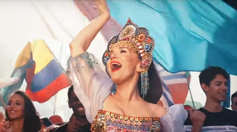 Где медведи? Наталия Орейро станцевала в кокошнике и спела песню на русском ynews, видео, интересное, клип, орейро, песня, чм-2018