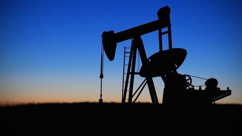 Крупнейшими запасами нефти располагает Венесуэла — 300,9 млрд баррелей, или 47 млрд тонн (17,7% от общемирового показателя). Россия является крупнейшим добытчиком нефти в мире интересное, мир, факты, цифры