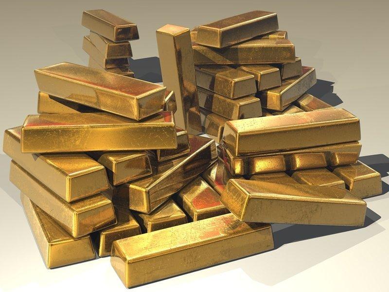 Самый крупный клад в мире обнаружен в 2011 году в подземных хранилищах индуистского храма в городе Тривандрам (штат Керала, Индия). Это несколько тонн золота и золотых украшений на сумму 22 млрд долларов интересное, мир, факты, цифры