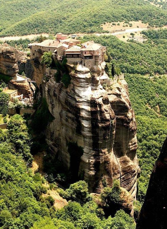 Monasteries of Meteora, Greece дом, интересное, красиво, обрыв, строения