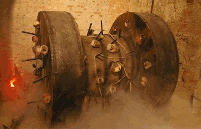 8. Взрывающееся мельничное колесо войны, история, оружие