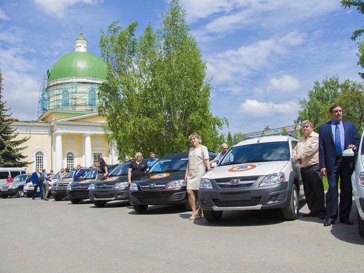 68. МФЦ Омской области получили 14 служебных автомобилей Хорошие, добрые, новости, россия, фоторепортаж
