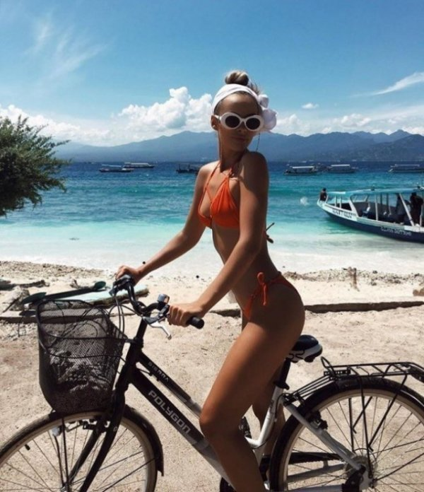 Девушки на велосипедах велосипед, девушки, красота, лето!!