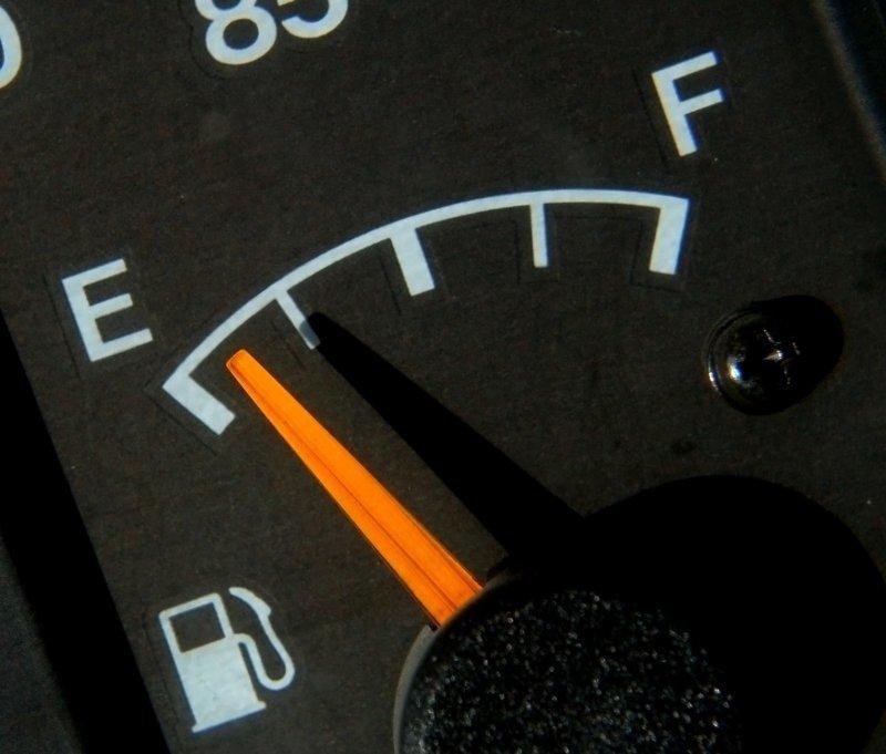 Как дед проучил сливщиков бензина CopyPaste, бензин, воры, дед, проучил, сливали