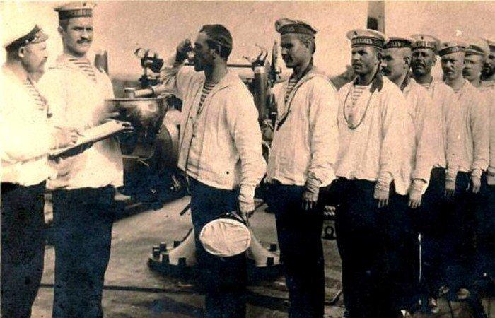 «Флотская чарка»: Как в Российском императорском флоте появилась традиция водочного пайка водка, вокруг света, история, россия