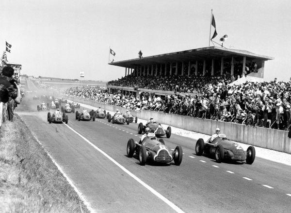 11. Первые авто, участвовавшие в Формуле-1 в 1950 году, и гоночная машина сейчас время, изменения, история, новые разработки, прогресс, сообразительность