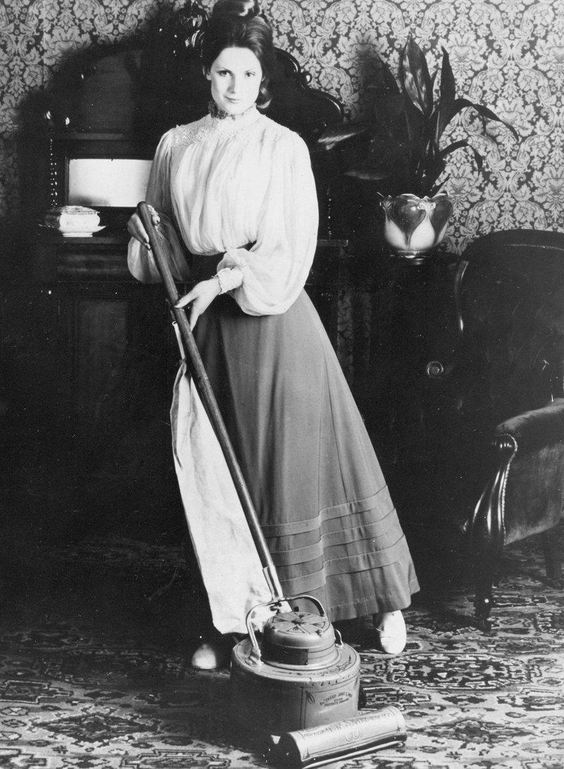 9. Пылесос образца 1908 года и современное устройство время, изменения, история, новые разработки, прогресс, сообразительность