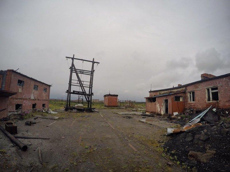 Бывшее топливное хранилище близь аэропорта Алыкль, Норильск заброшенка, заброшенные места, развалины