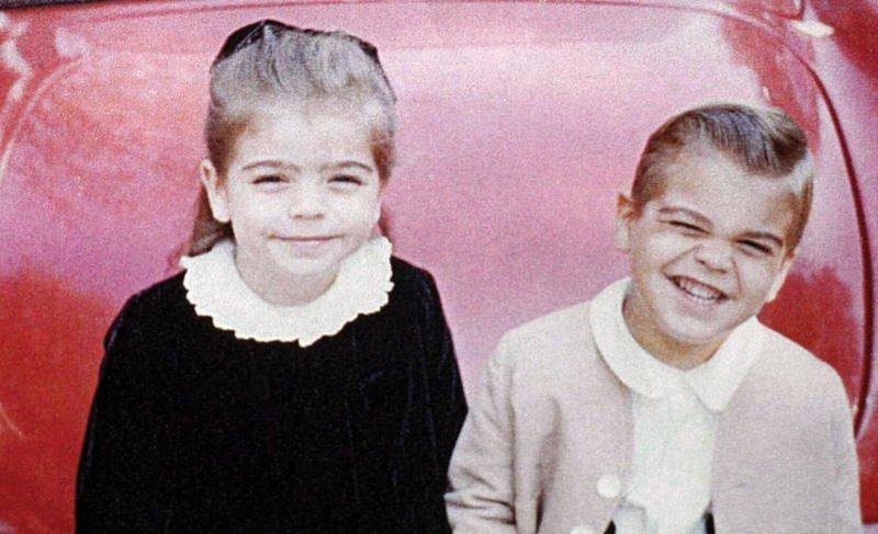 8. Детский снимок Джорджа Клуни и его старшей сестры Аделии Зейдлер звездные родственники, звезды, родственные связи знаменитостей, сестры и братья знаменитостей, фото