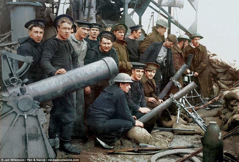 81-мм миномёты системы капитана Стокса на британском крейсере HMS Vindictive война, история, колоризация, колоризированные фото, первая мировая война, ретро фото, старые фотографии, фото
