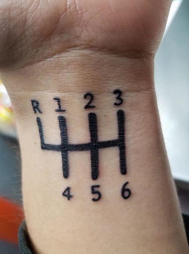 Переключиться с третьей на четвертую как-то проблематично нелепо, подборка, рисунки на теле, тату, татуировки, татуировщик, фейл, фото