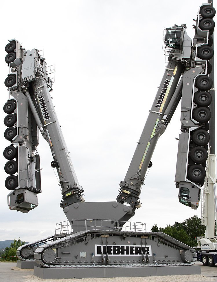 Кран  LEGO Liebherr автомир, грузовики, мощная техника. красота, сила