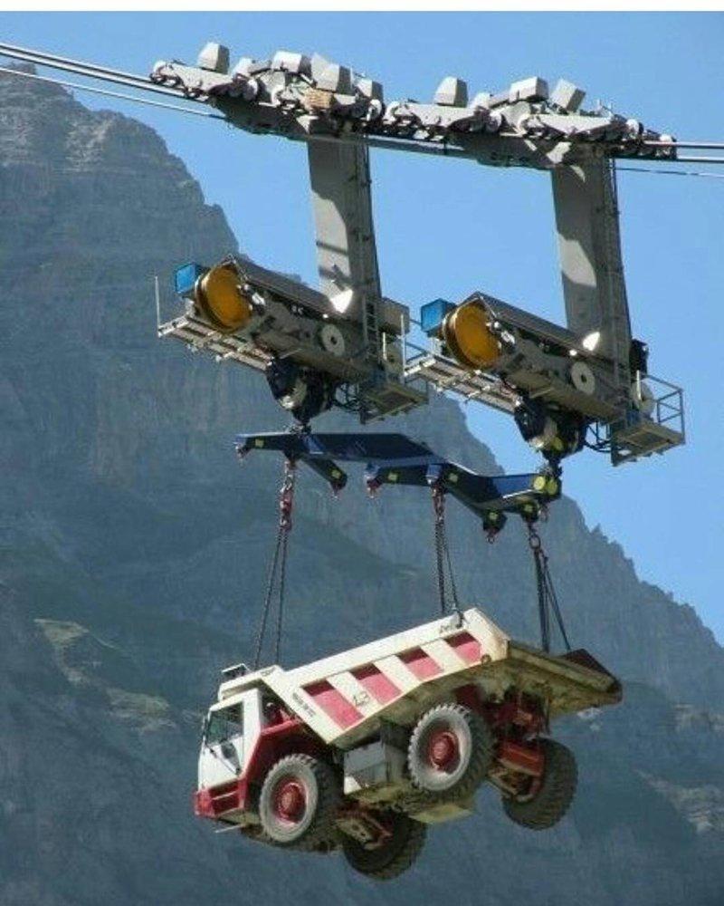Для этой канатной дороги в Альпах грузовики, как пушинки автомир, грузовики, мощная техника. красота, сила