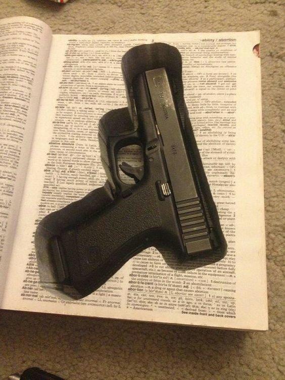 Книги интересное, оружейные столы, оружие, тайники