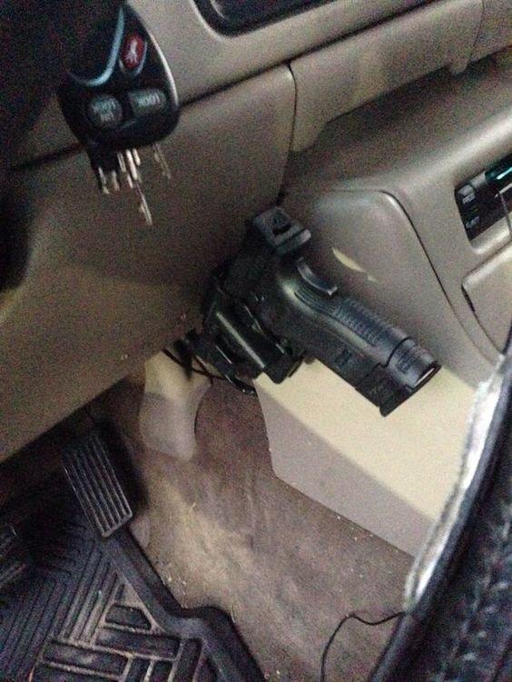 В машине интересное, оружейные столы, оружие, тайники