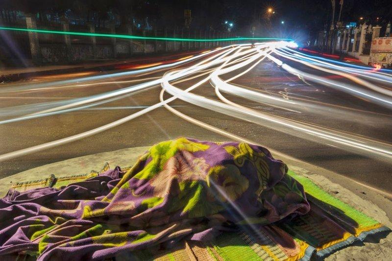 1-е место в категории «Серия фотографий», снимок из серии «Мигрирующие герои». Автор фото: Совраф Дас LensCulture, в мире, конкурс, люди, уличное фото, фото