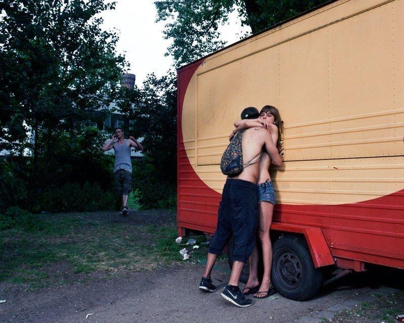 Выбор жюри. Из серии «Неоднозначные моменты» LensCulture, в мире, конкурс, люди, уличное фото, фото