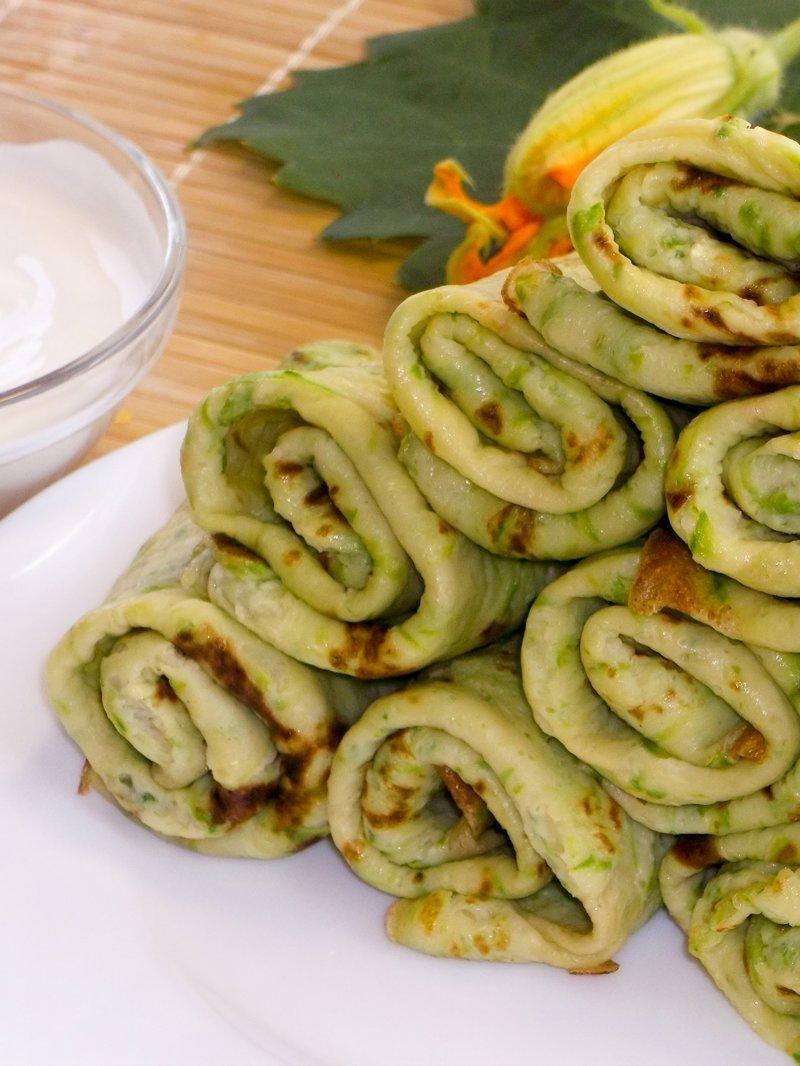 Тонкие зеленые блинчики из кабачков блины, видео, кабачки, кулинария, рецепт