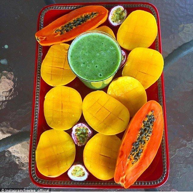 Типичный завтрак Фрили блогер, блогерша, блогеры, вдали от людей, джунгли, единение, истории из жизни, природа