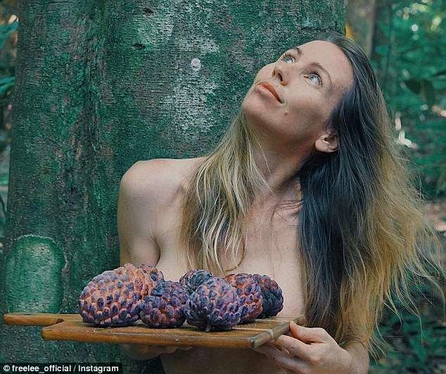 """""""Фрукты - очень плодотворное начало дня"""" блогер, блогерша, блогеры, вдали от людей, джунгли, единение, истории из жизни, природа"""